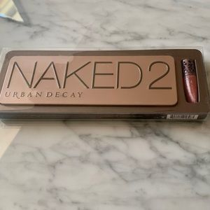NWT URBAN DECAY NAKED 2 EYESHADOW PALETTE W/ GLOSS
